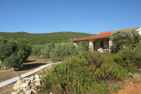 Secluded holiday house Jidro