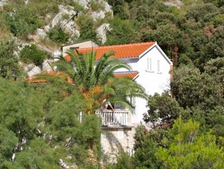 Secluded house Matino, Bay Stracinska - island Solta