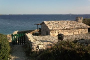 Holiday cottage Tiha Vala, Bay Kosirina - island Murter